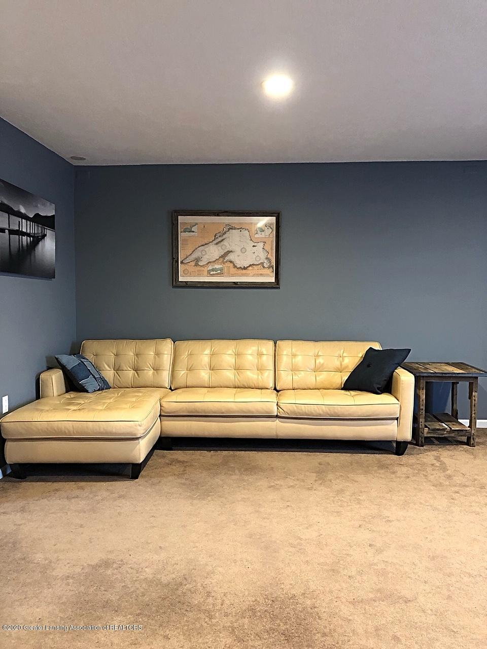 5910 Hickory Hill Dr - living room - 14