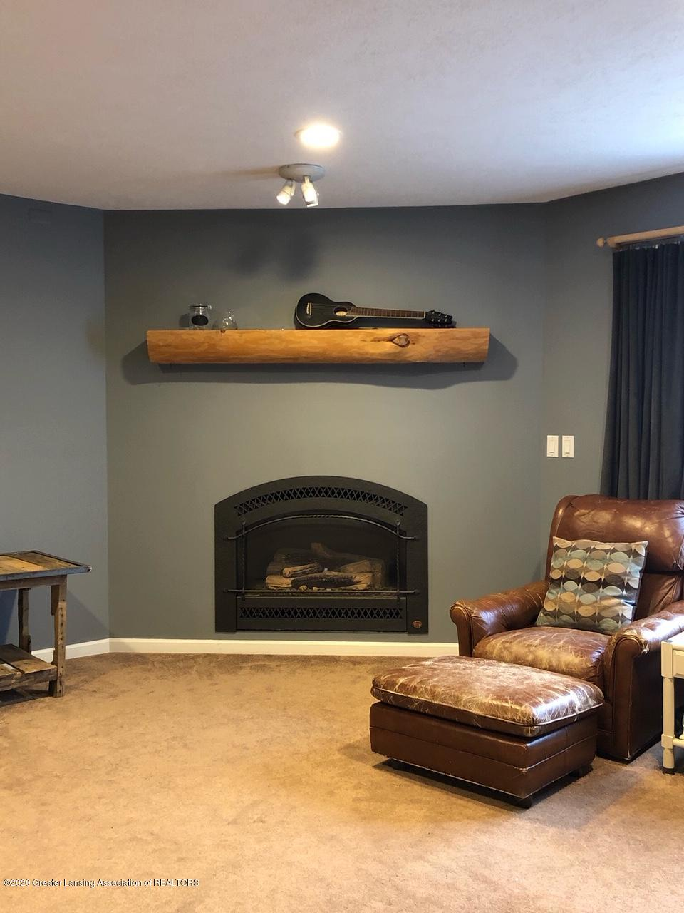 5910 Hickory Hill Dr - living room - 15