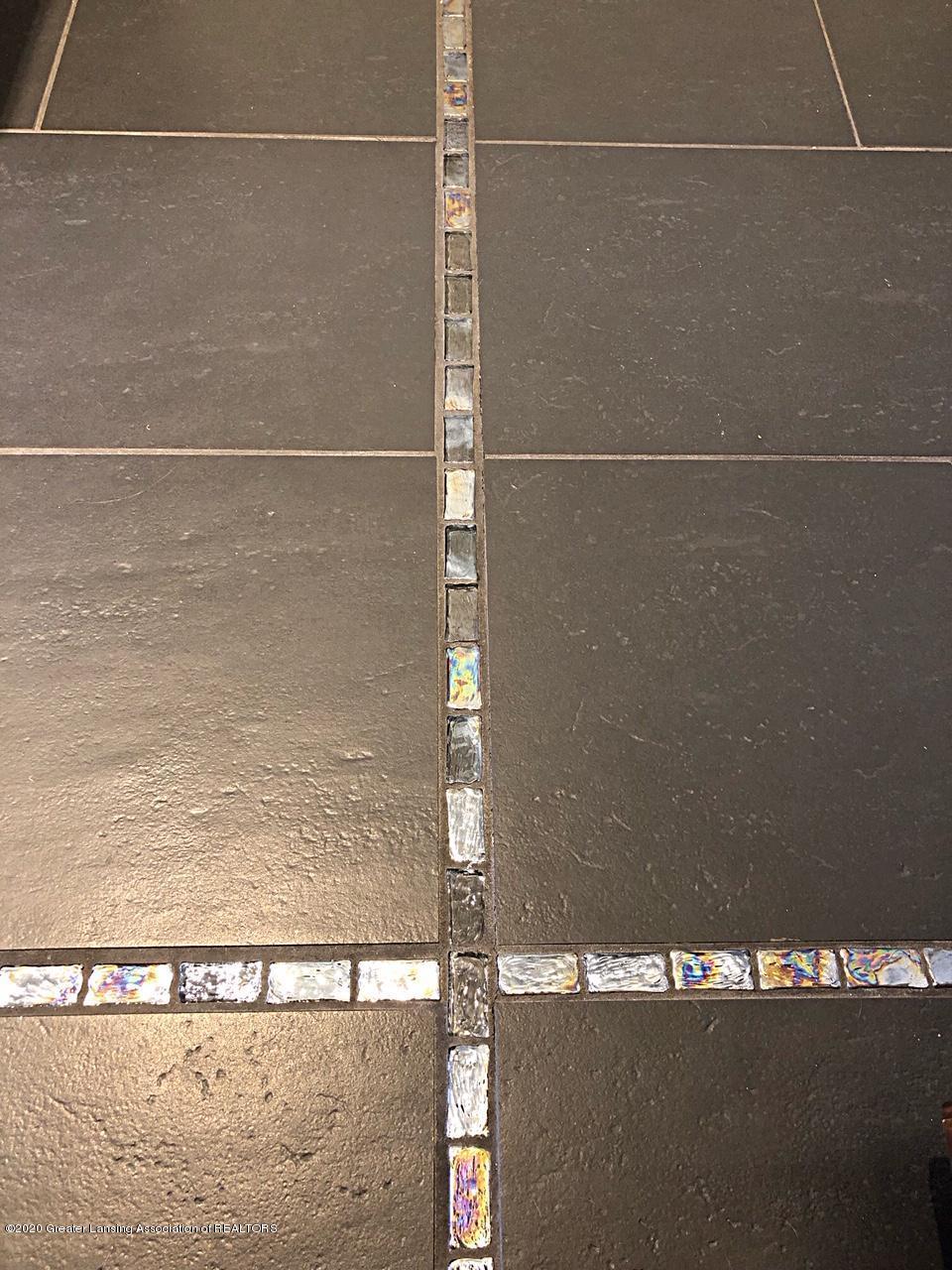 5910 Hickory Hill Dr - master tile floor - 30