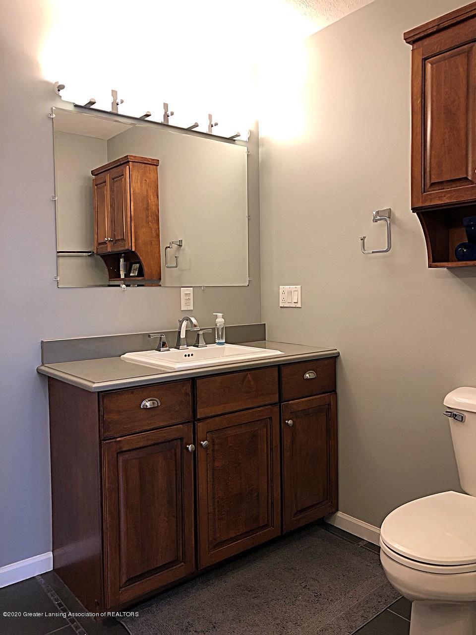 5910 Hickory Hill Dr - bath - 32