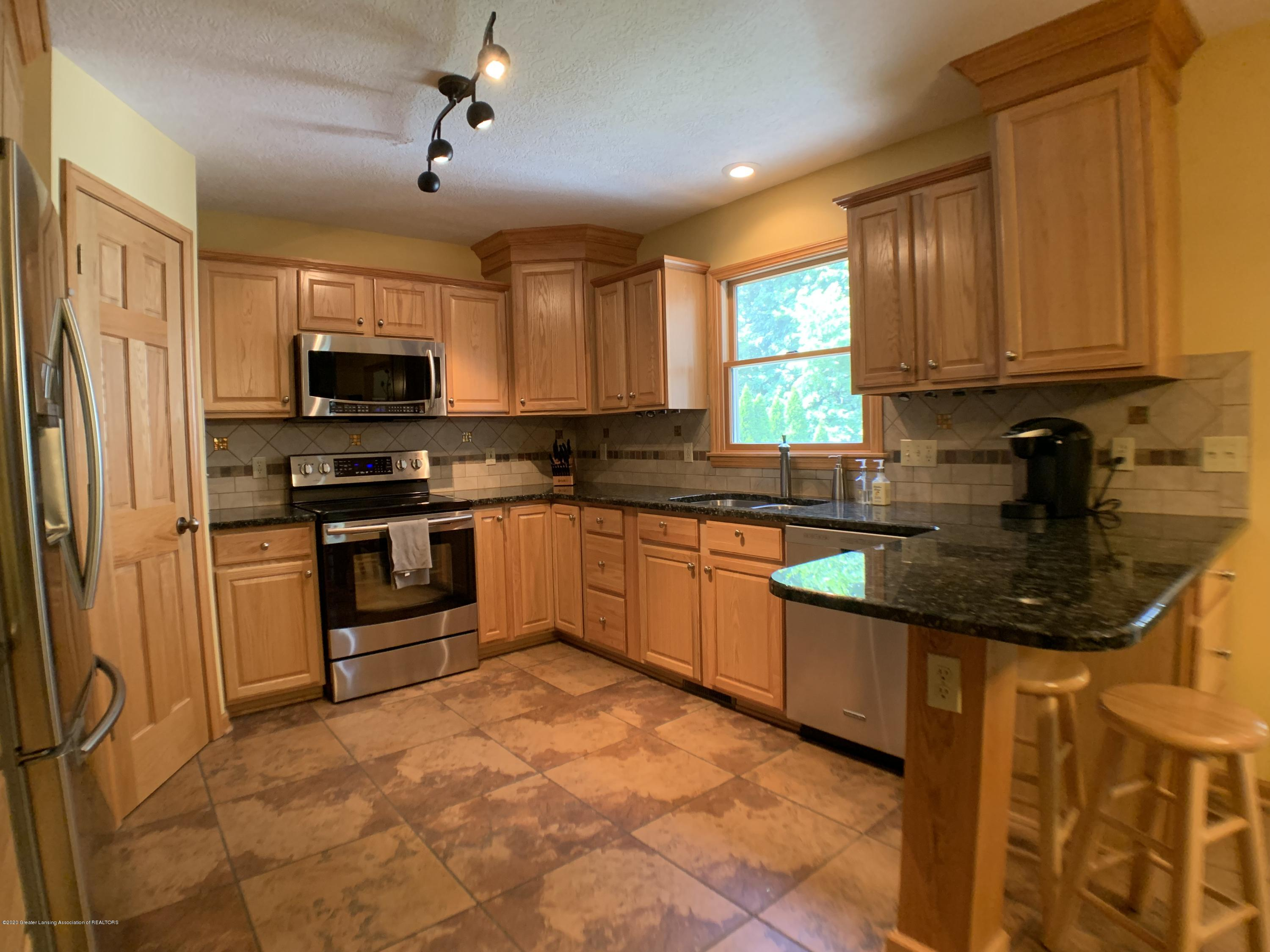 3150 Crofton Dr - Kitchen - 12