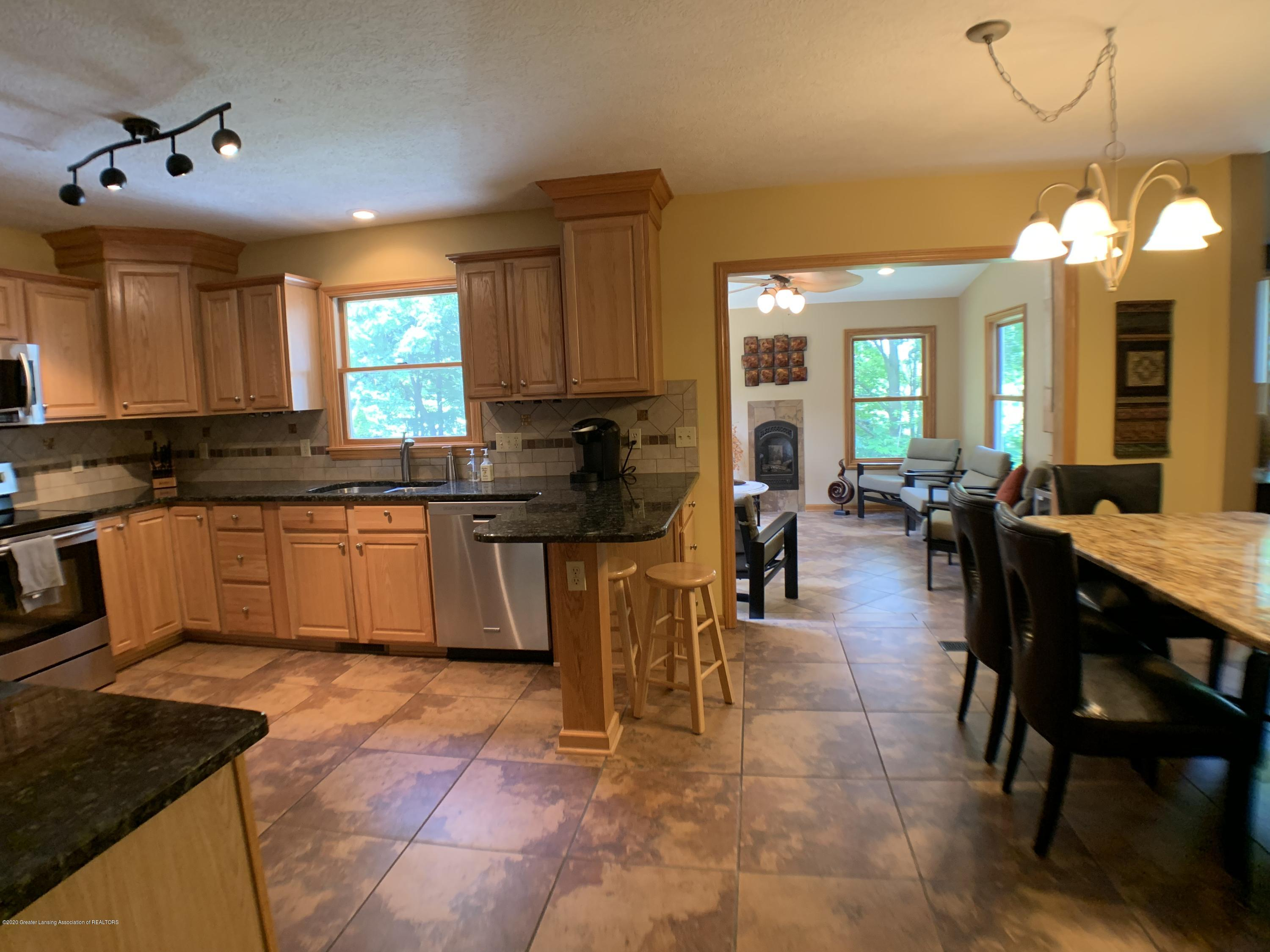 3150 Crofton Dr - Kitchen - 14