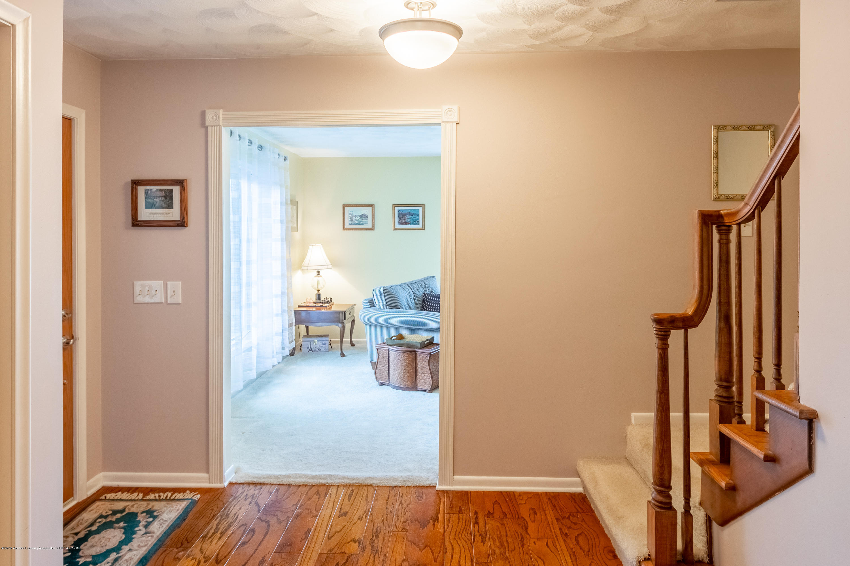 2181 Riverwood Dr - Foyer - 10