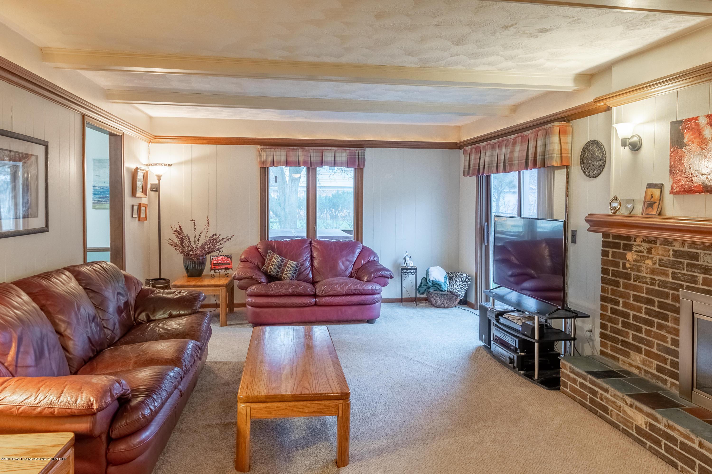 2181 Riverwood Dr - Living Room - 16