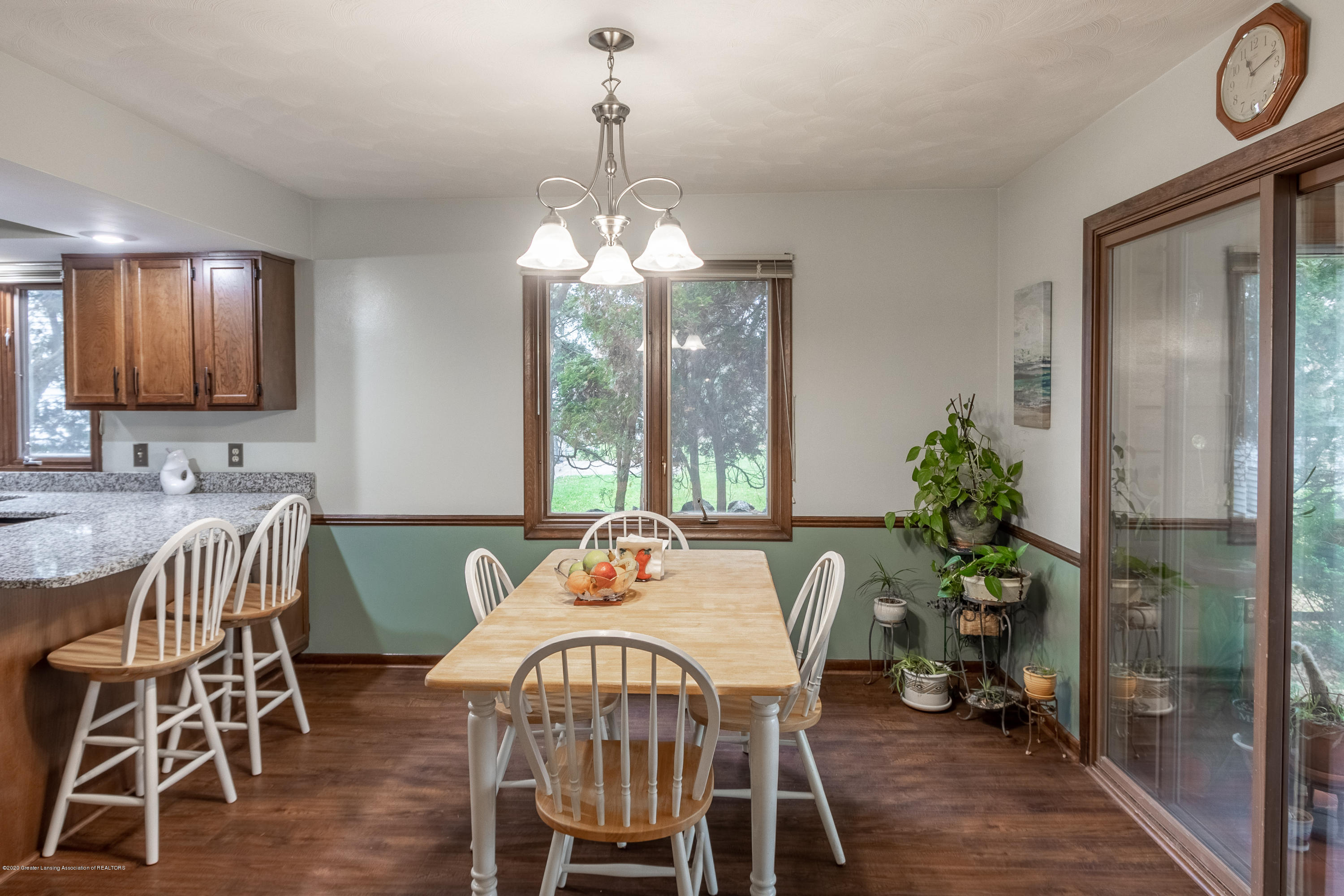 2181 Riverwood Dr - Dining Area - 19