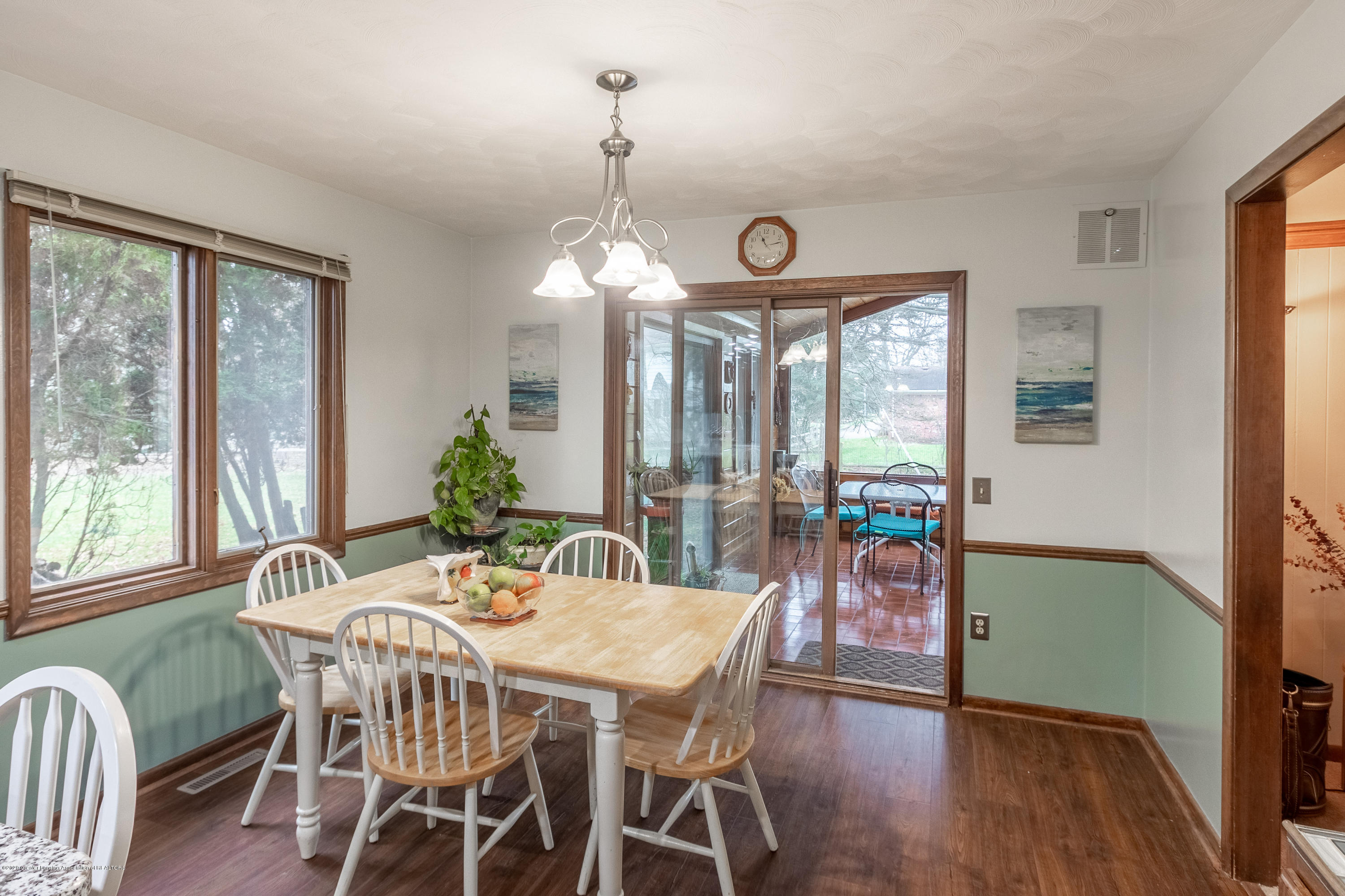 2181 Riverwood Dr - Dining Area - 21