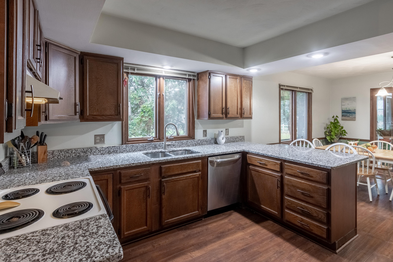 2181 Riverwood Dr - Kitchen - 25