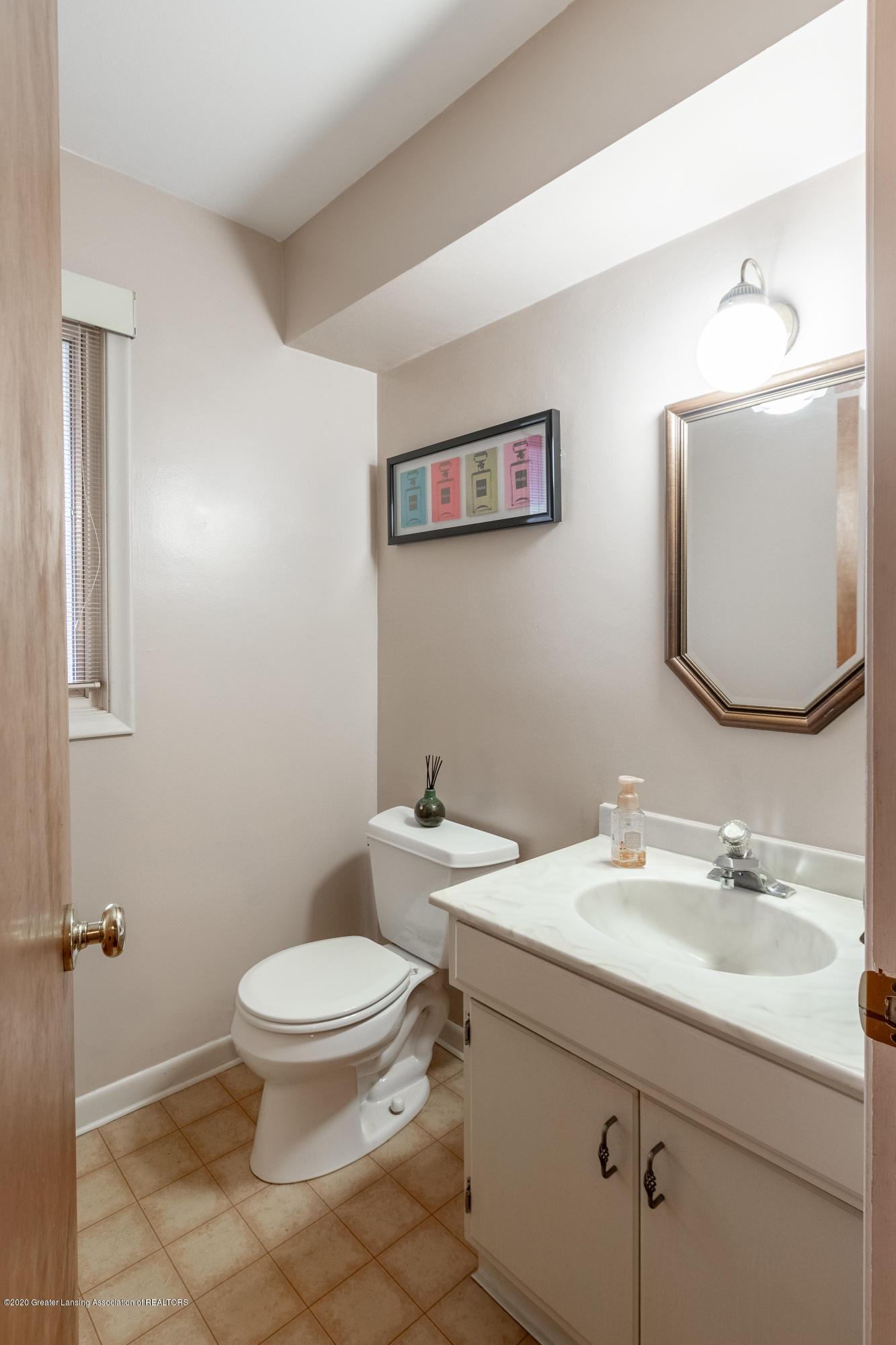 2181 Riverwood Dr - Bathroom - 30