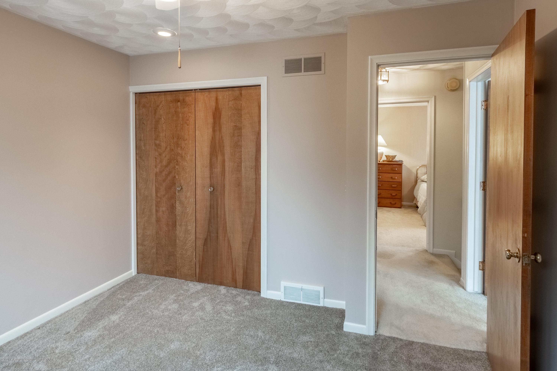 2181 Riverwood Dr - Bedroom 3 - 37