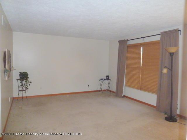 4482 E Clinton Trail - Living Room - 12