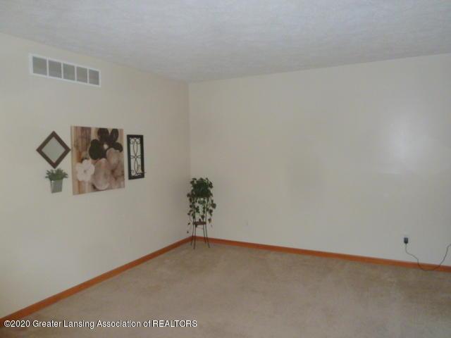 4482 E Clinton Trail - Living Room - 13