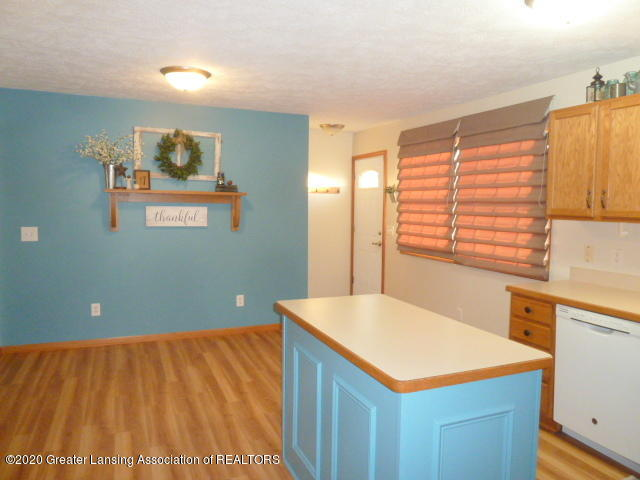 4482 E Clinton Trail - Kitchen and Dining - 11