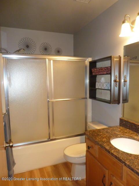 4482 E Clinton Trail - Main Bathroom - 20