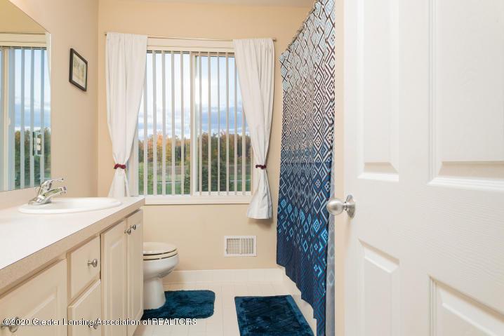 14199 Mulholland Dr - bathroom - 28
