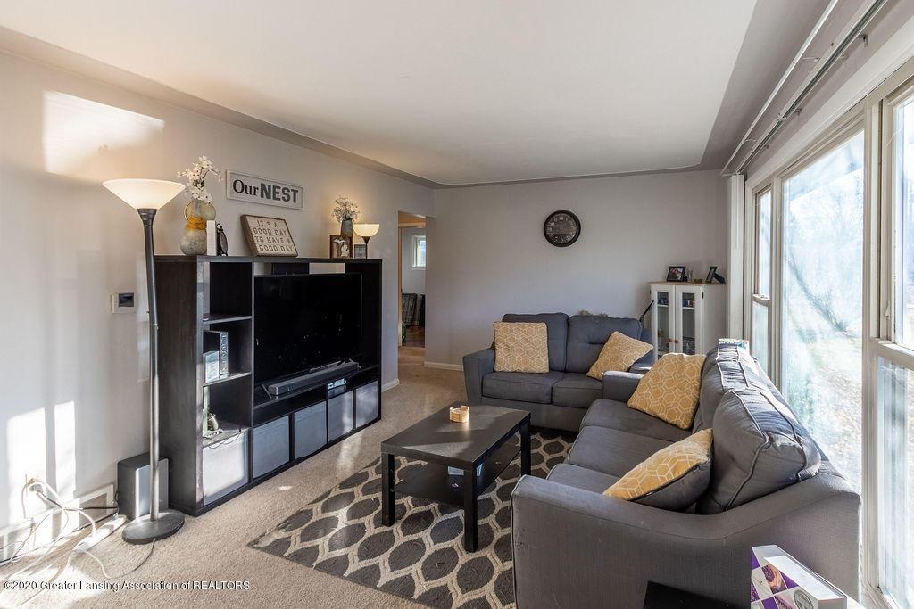 1000 Hein Ave - Living Room - 5