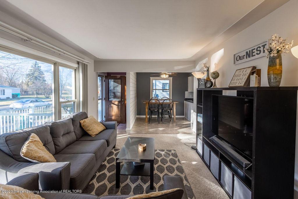 1000 Hein Ave - Living Room - 6