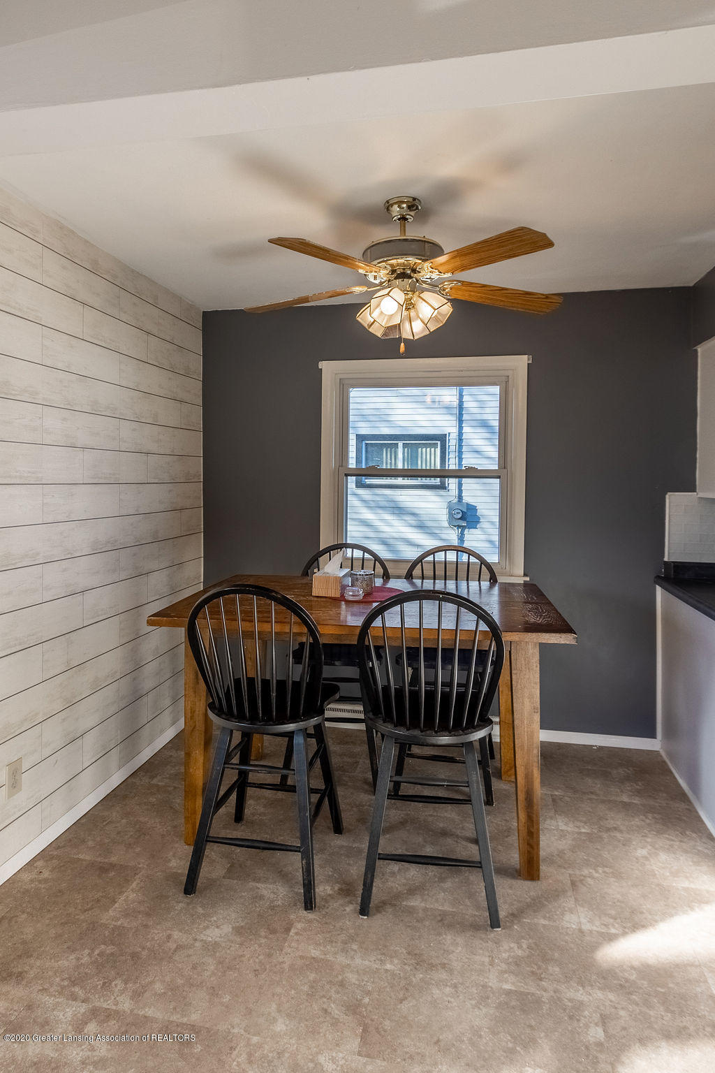 1000 Hein Ave - Dining area - 11