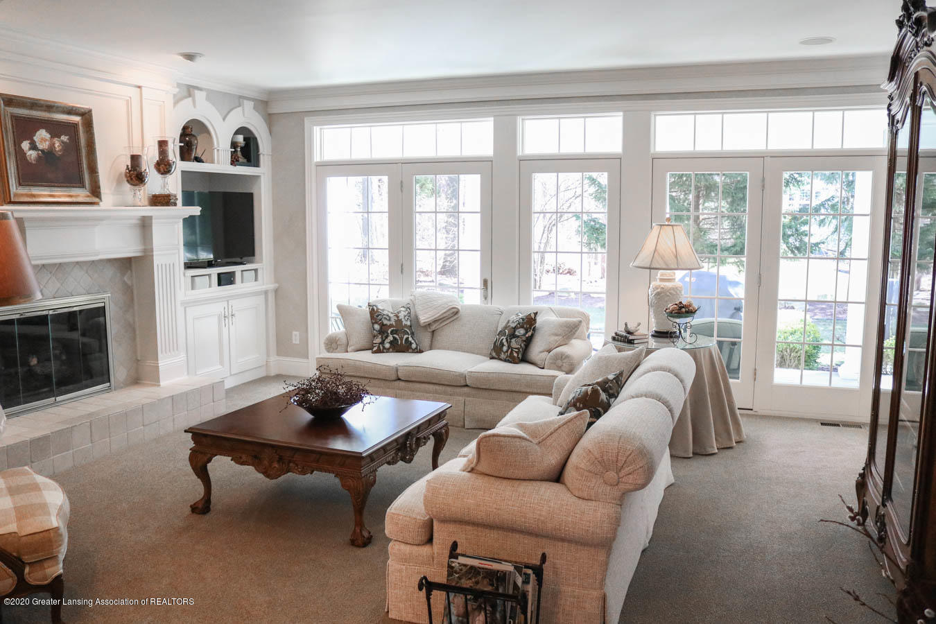 6090 Standish Ct - Living Room - 11