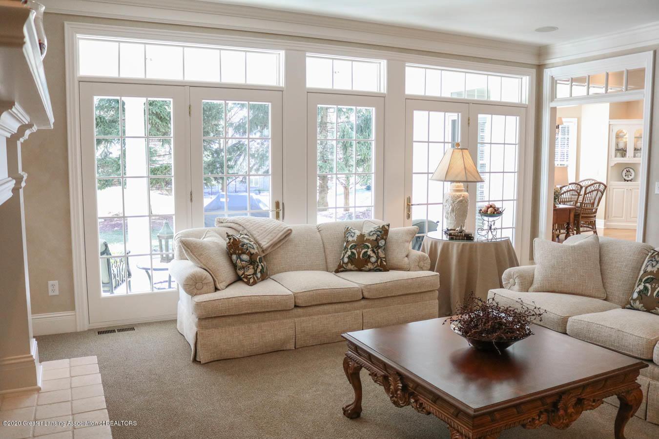6090 Standish Ct - Living Room - 12