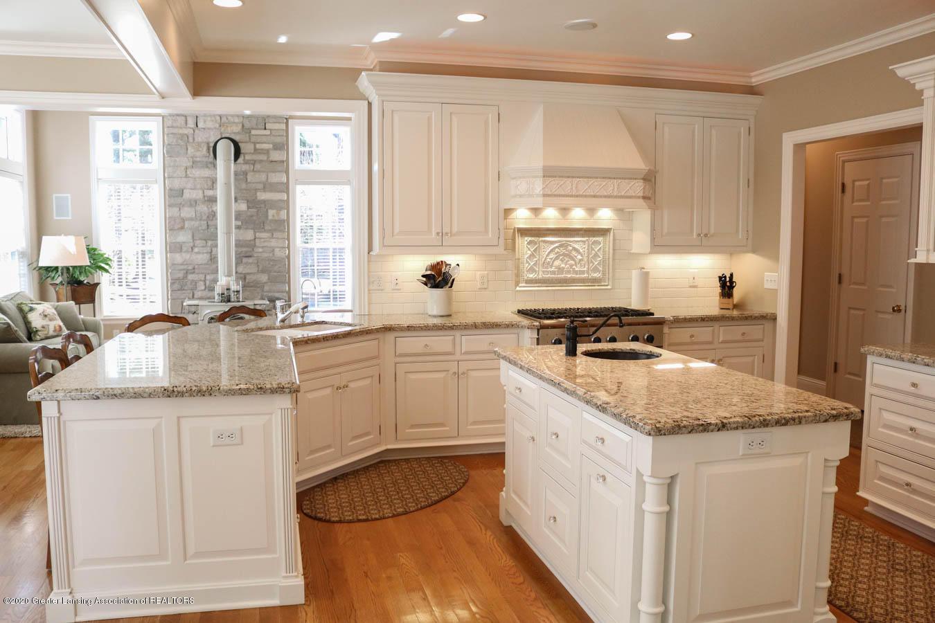 6090 Standish Ct - Kitchen - 17