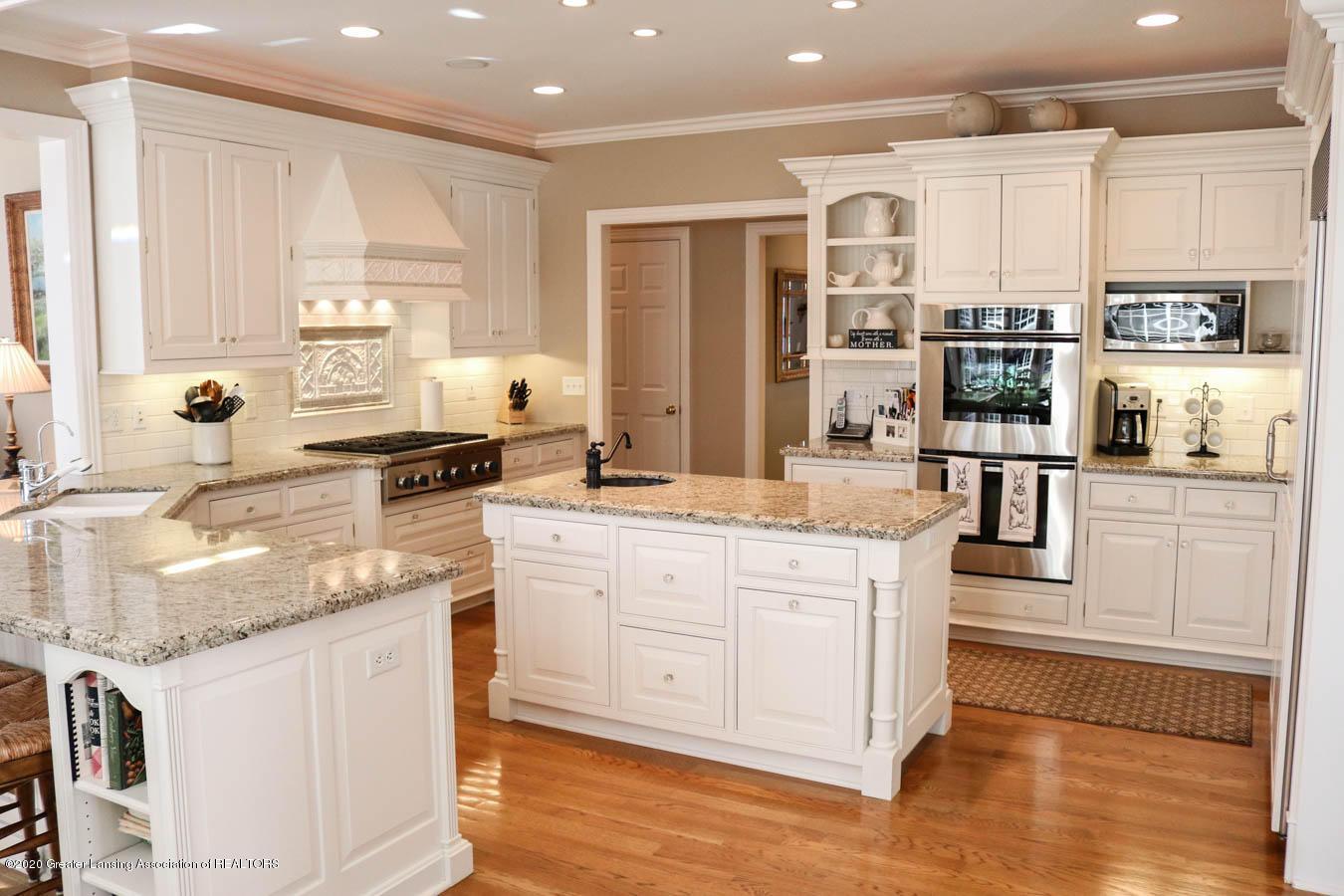 6090 Standish Ct - Kitchen - 18