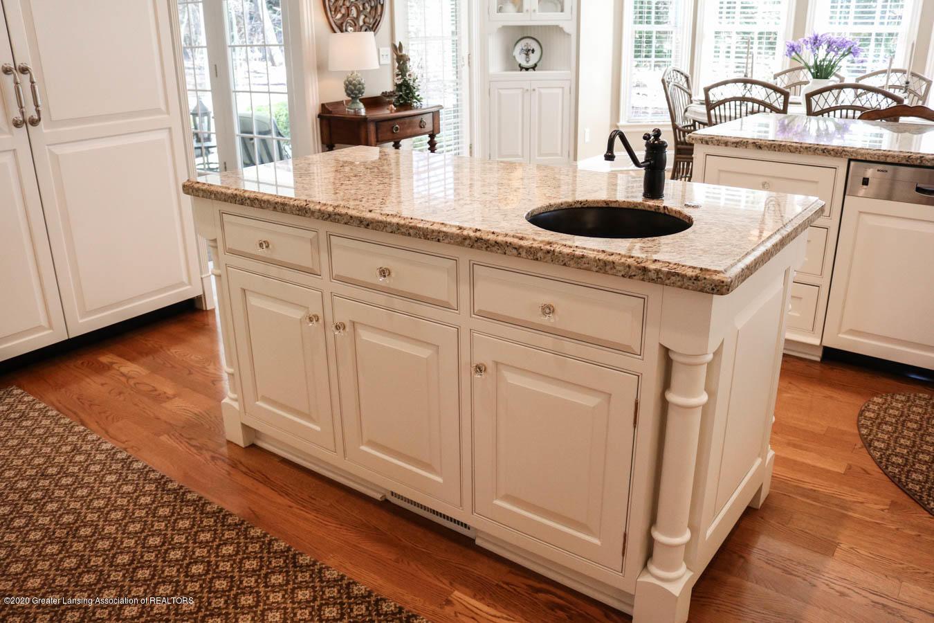 6090 Standish Ct - Kitchen - 20