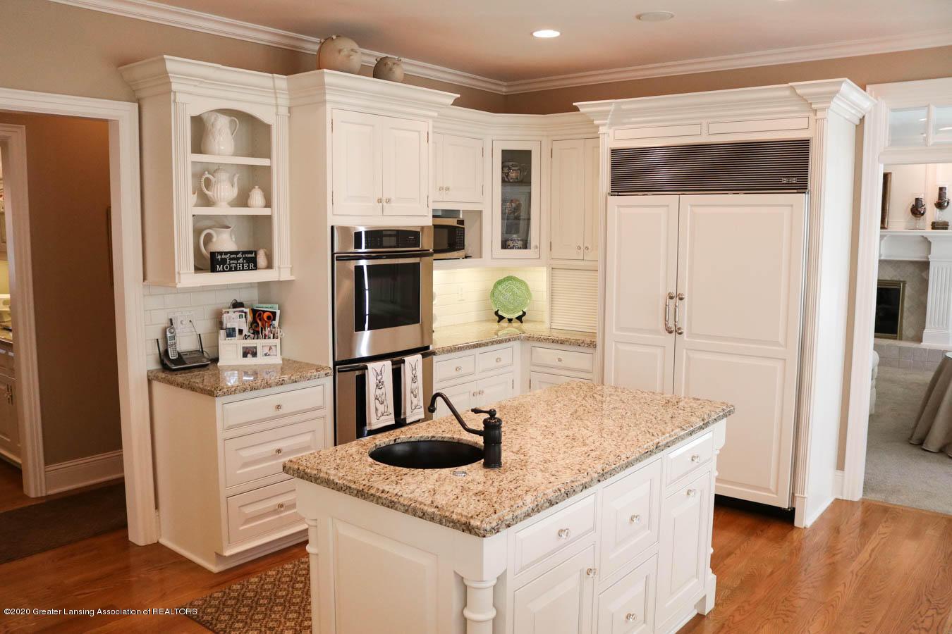 6090 Standish Ct - Kitchen - 22
