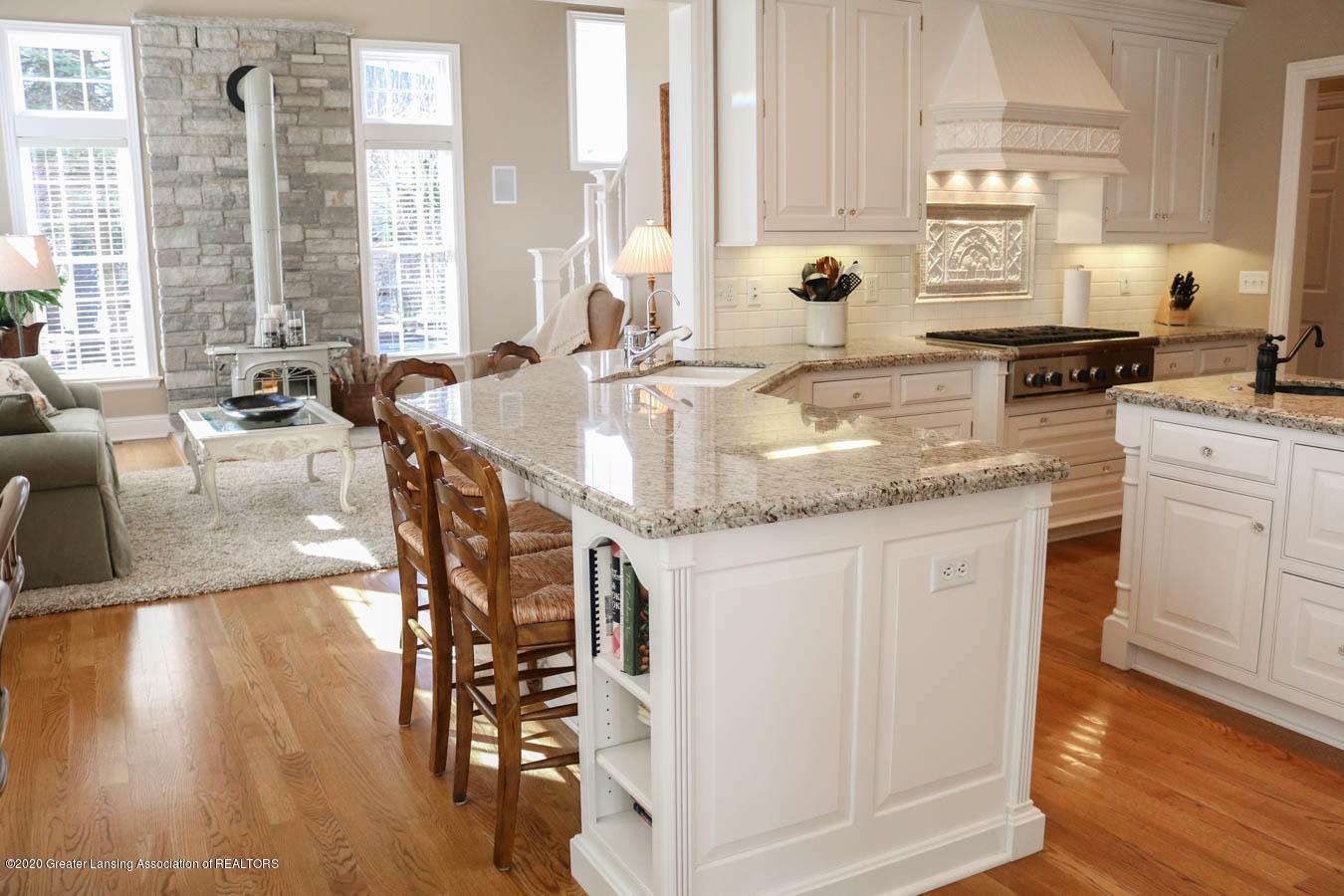 6090 Standish Ct - Kitchen - 24