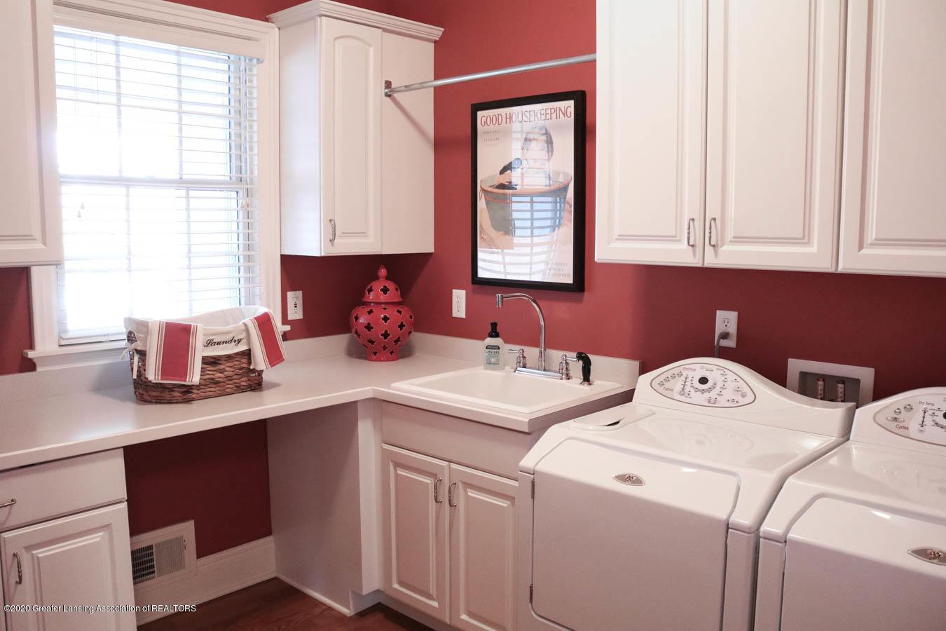 6090 Standish Ct - Laundry Room - 31
