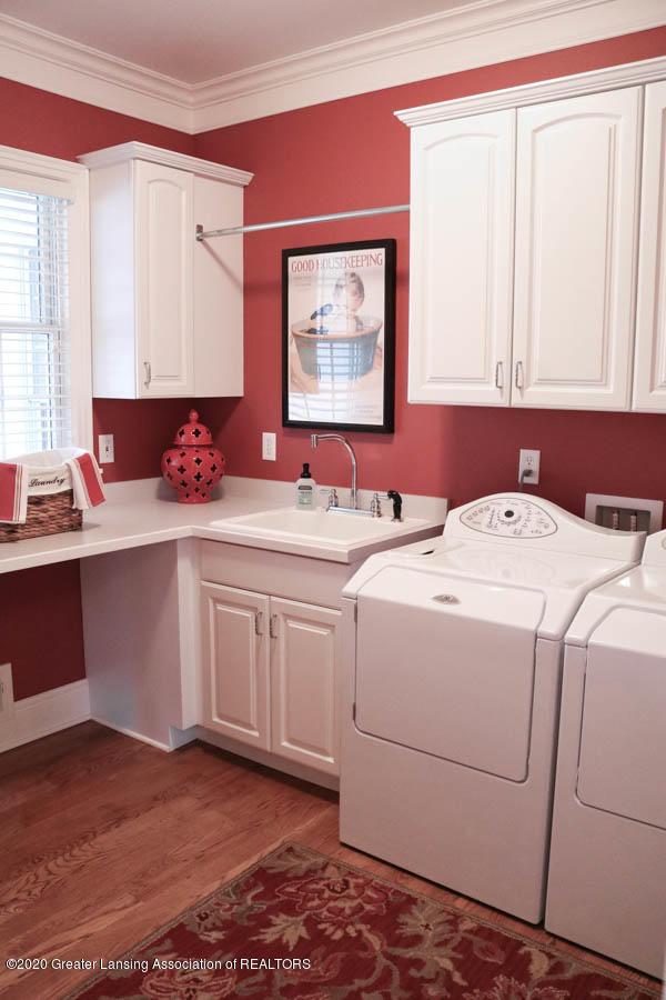 6090 Standish Ct - Laundry Room - 32