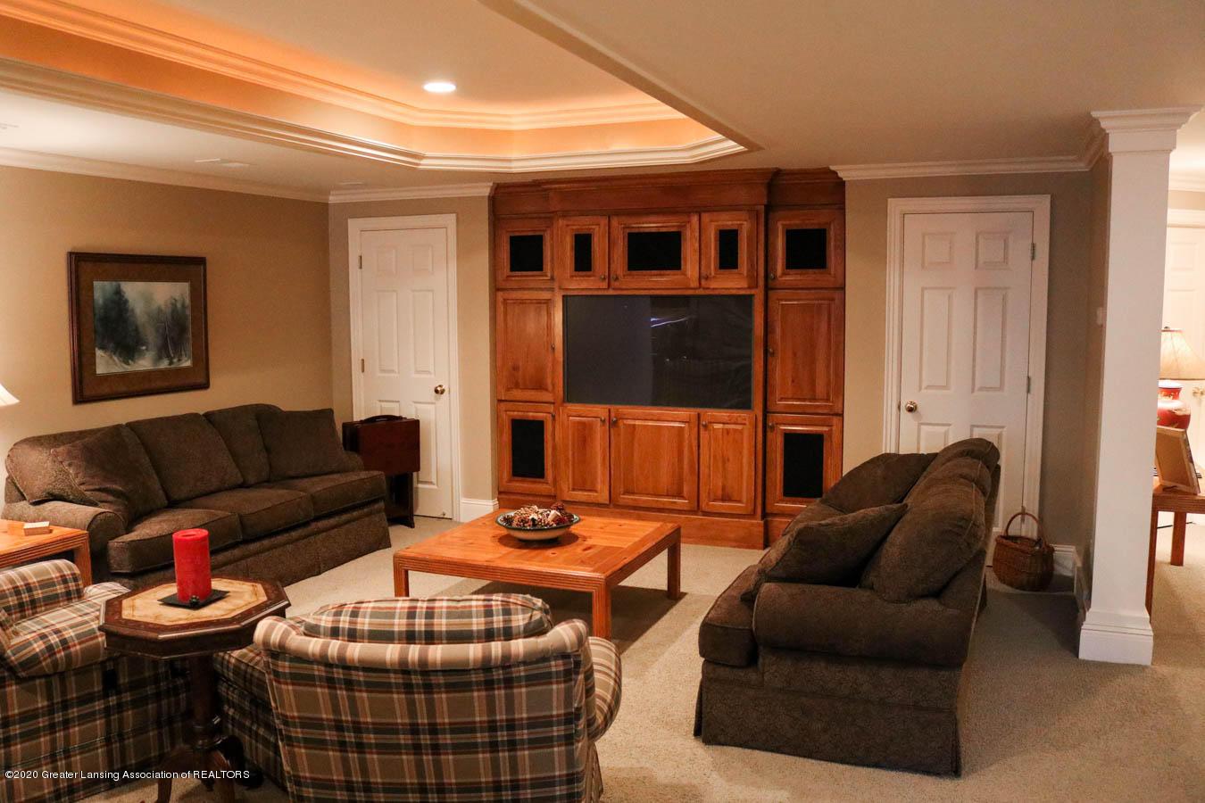 6090 Standish Ct - Family Room - 78