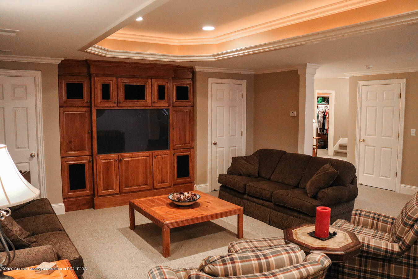 6090 Standish Ct - Family Room - 76