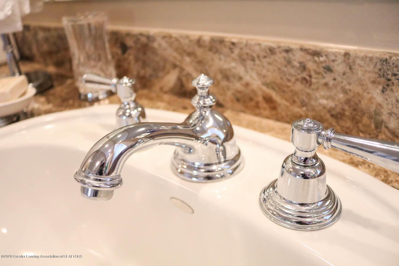 6090 Standish Ct - Master Bath - 46