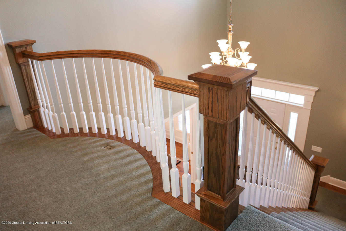 6090 Standish Ct - Curved Banister/Railing - 51