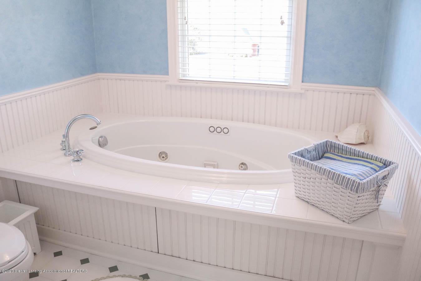 6090 Standish Ct - 2nd Master Bath - 57