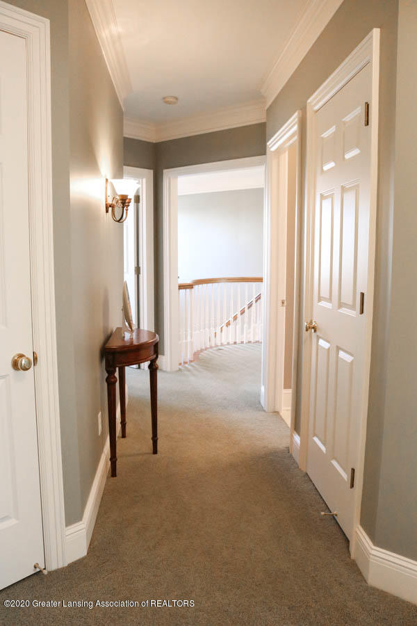 6090 Standish Ct - Hallway - 64