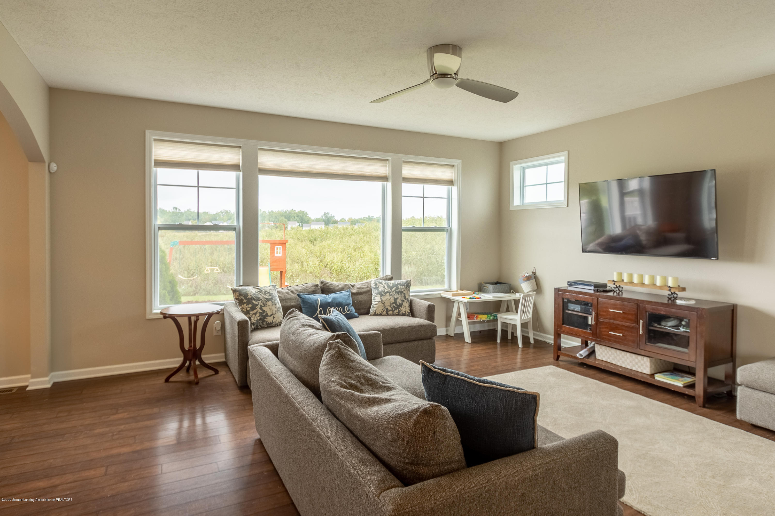 3758 Shearwater Ln - Family Room - 10