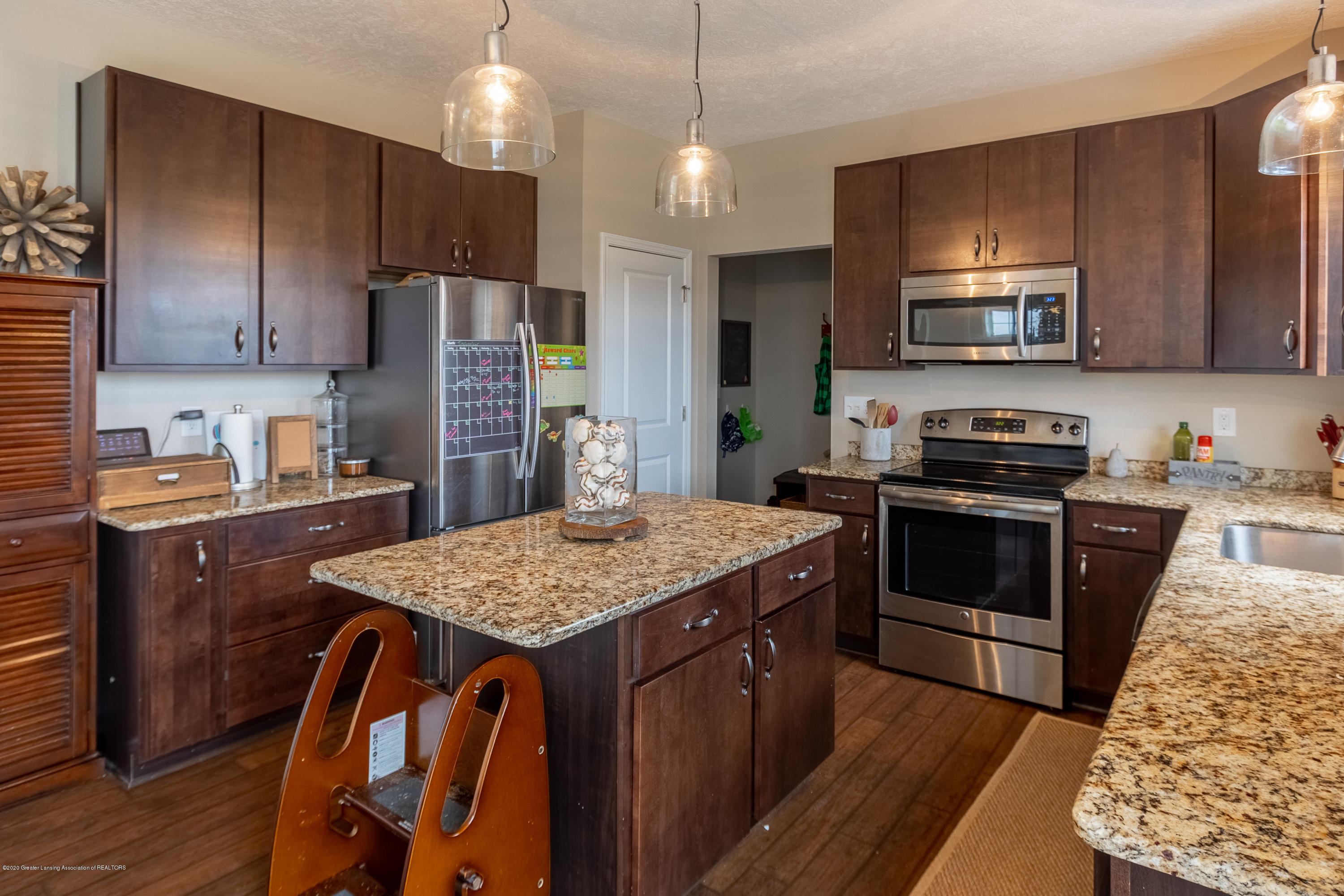 3758 Shearwater Ln - Granite Countertops - 19