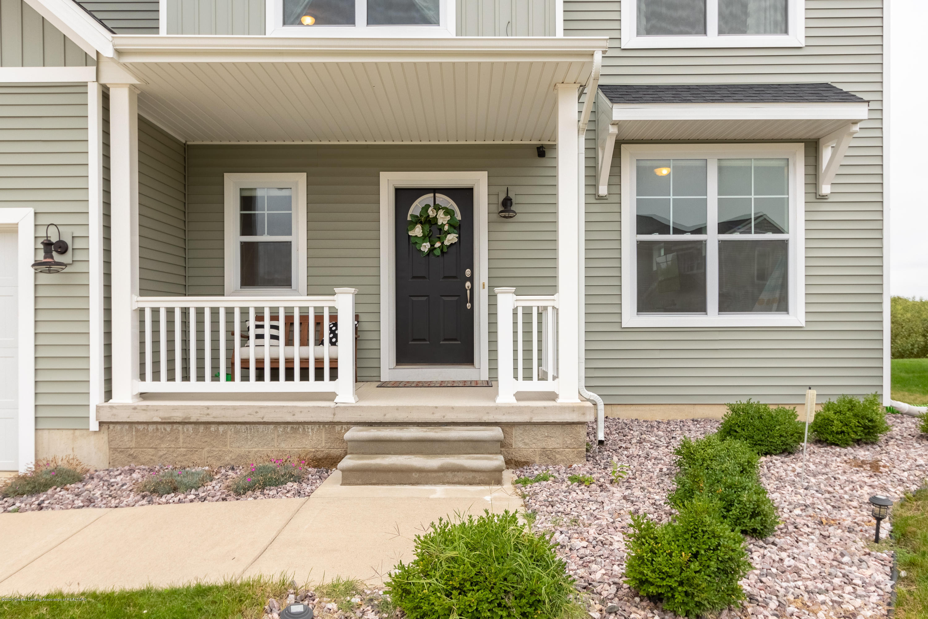 3758 Shearwater Ln - Front Porch - 2