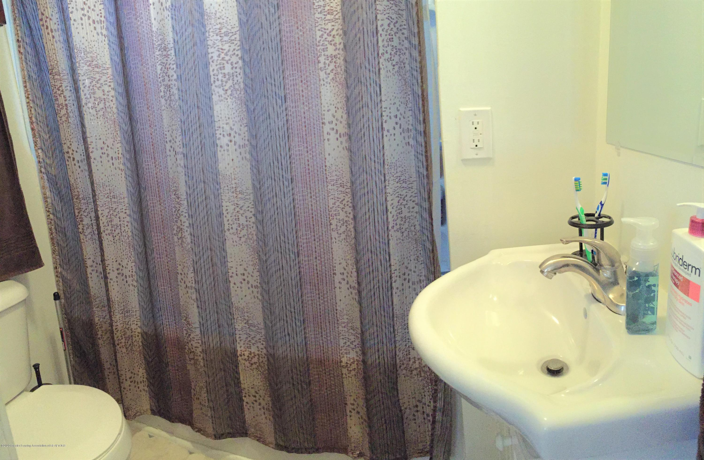 6183 Pollard Ave - 12 Bathroom - 12