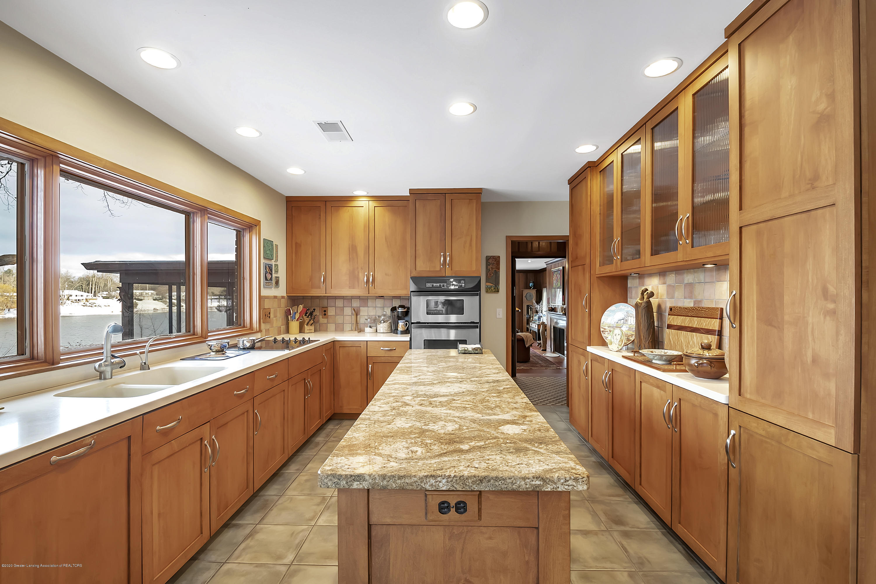 4300 Pine Tree Ln - Kitchen - 38
