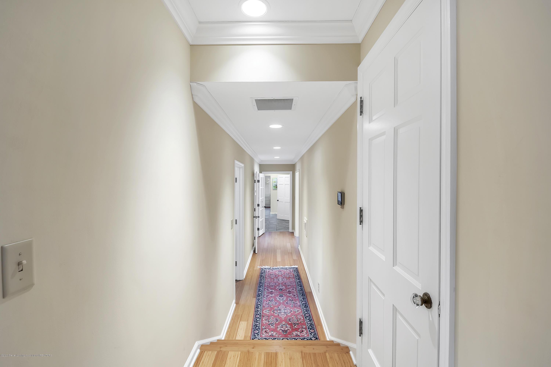 4300 Pine Tree Ln - Hallway - 59