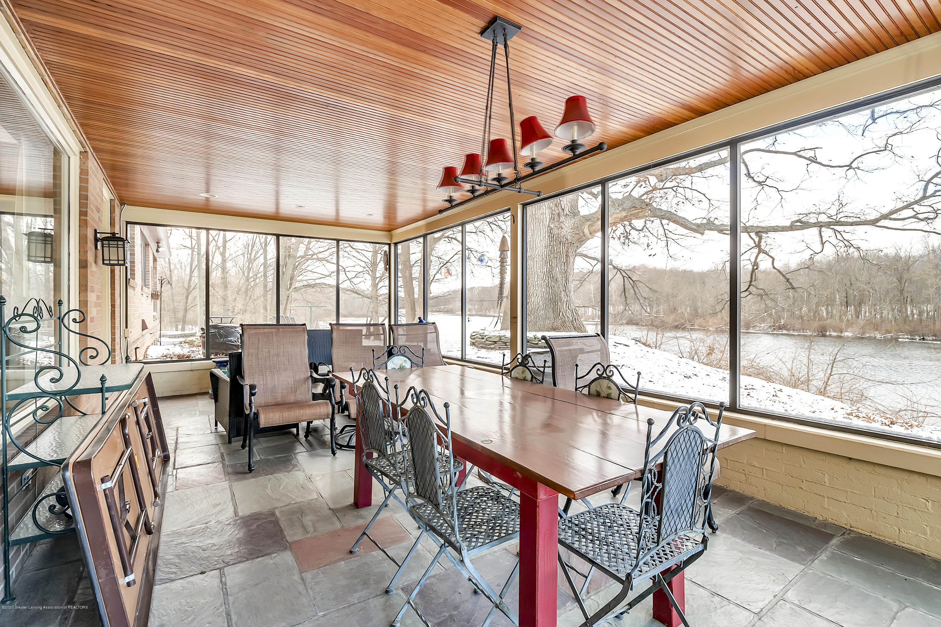 4300 Pine Tree Ln - Screened Porch - 70