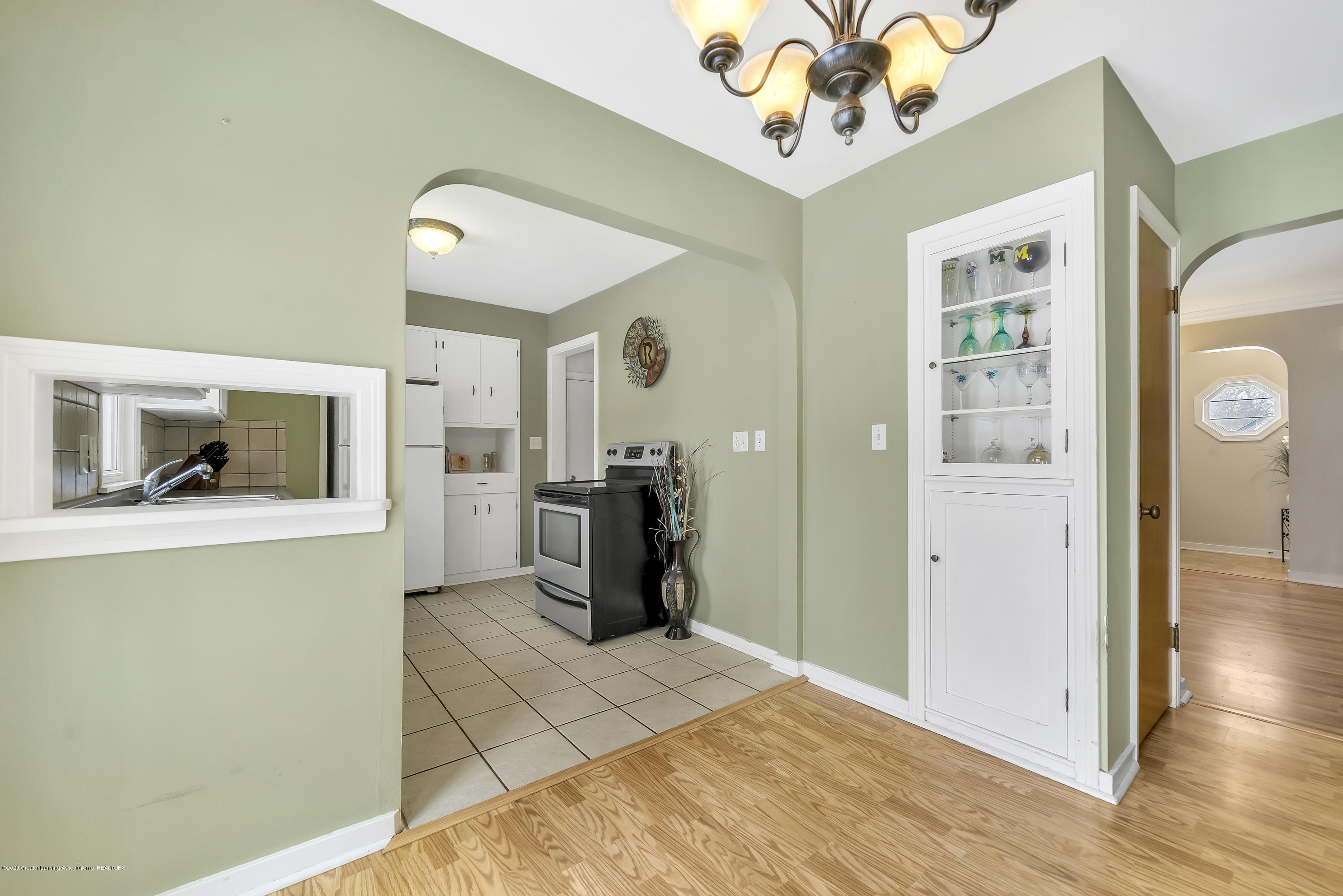 1406 W Rundle Ave - Diningroom with built in China Cabinet - 5