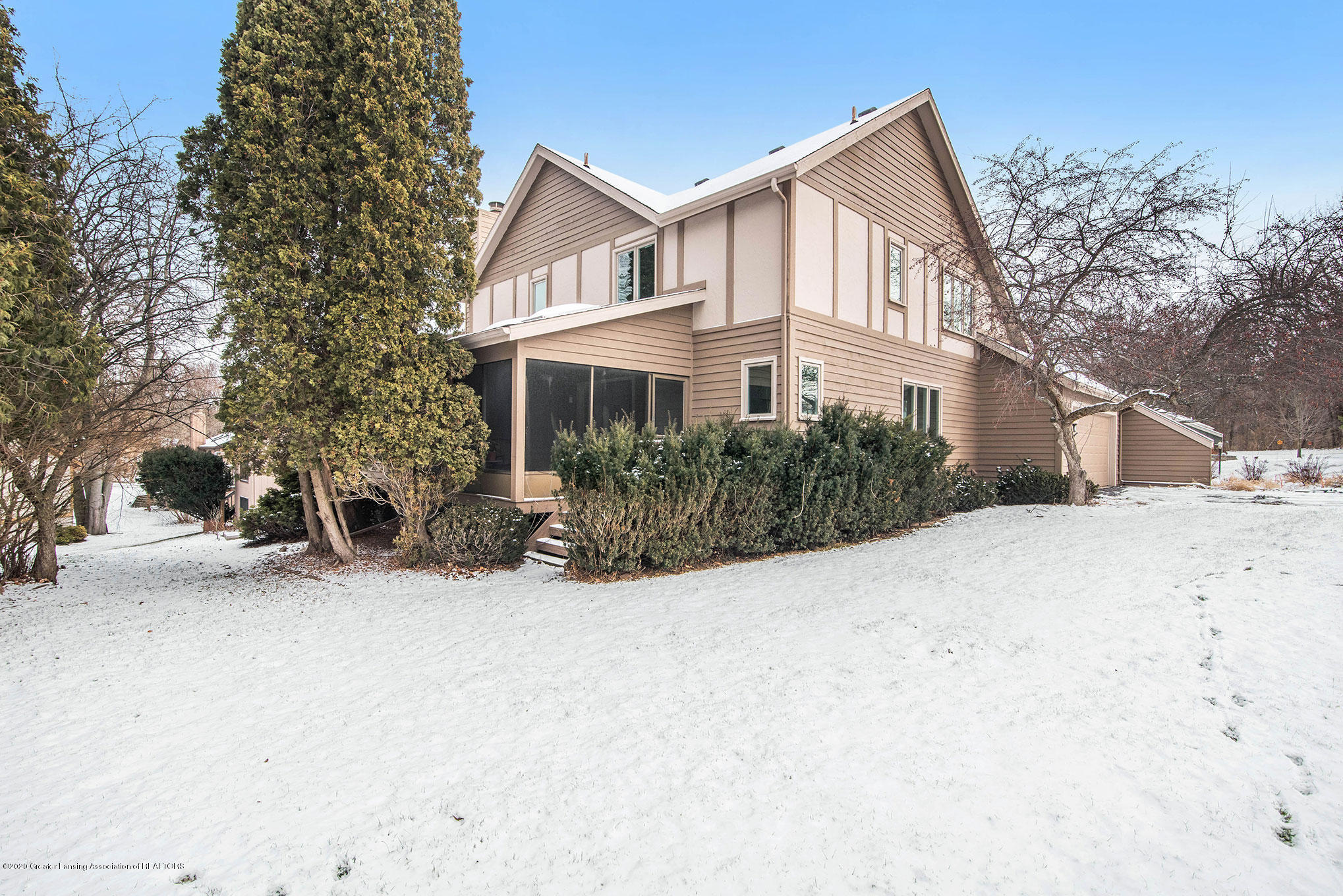 2592 Woodhill Dr - Exterior - 27