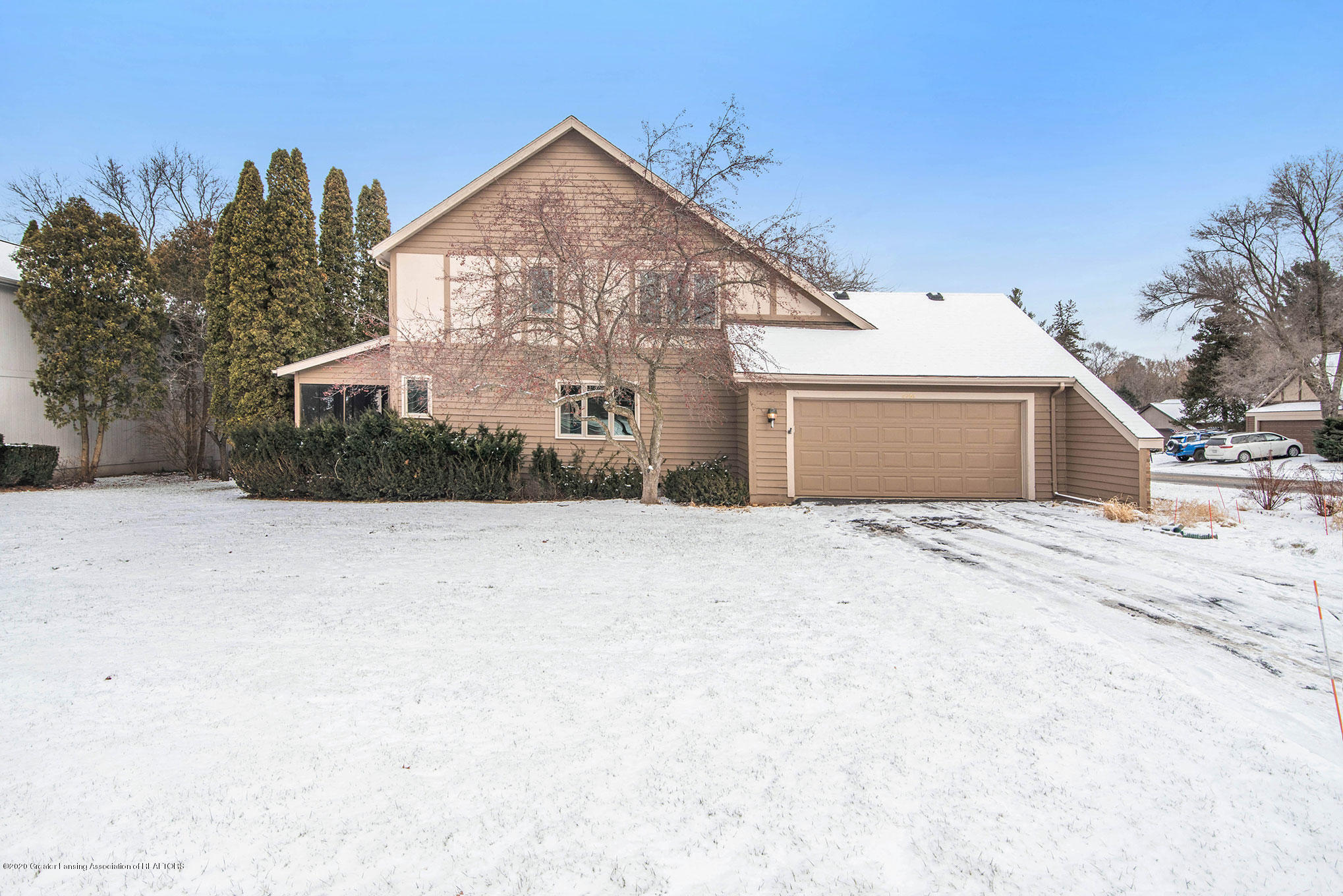 2592 Woodhill Dr - Exterior - 28