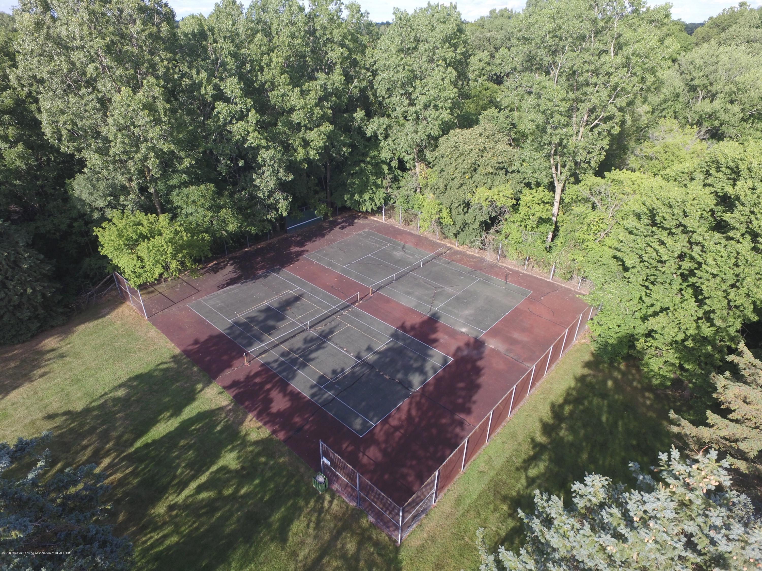 2592 Woodhill Dr - Tennis Courts - 29