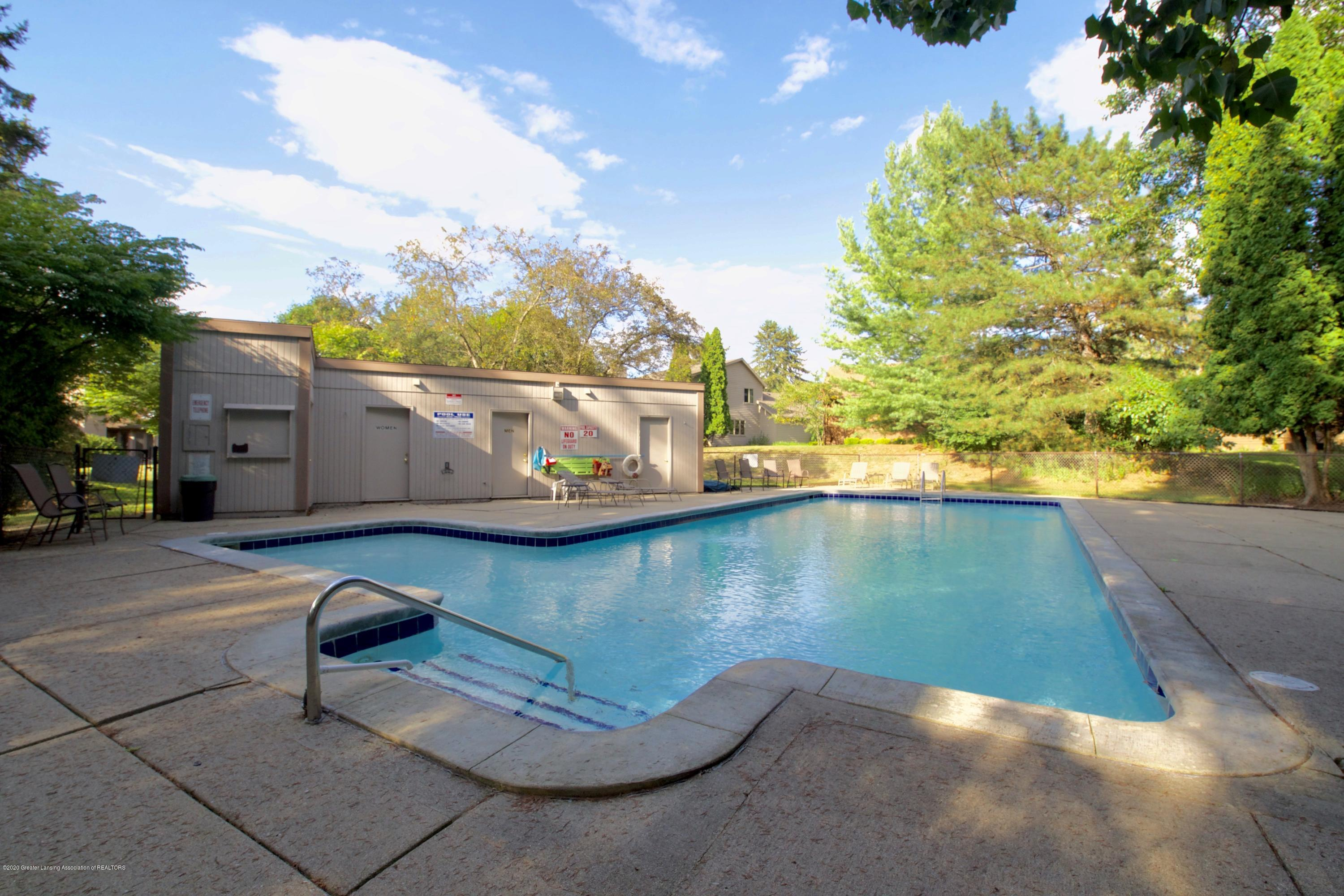 2592 Woodhill Dr - Pool Area - 34