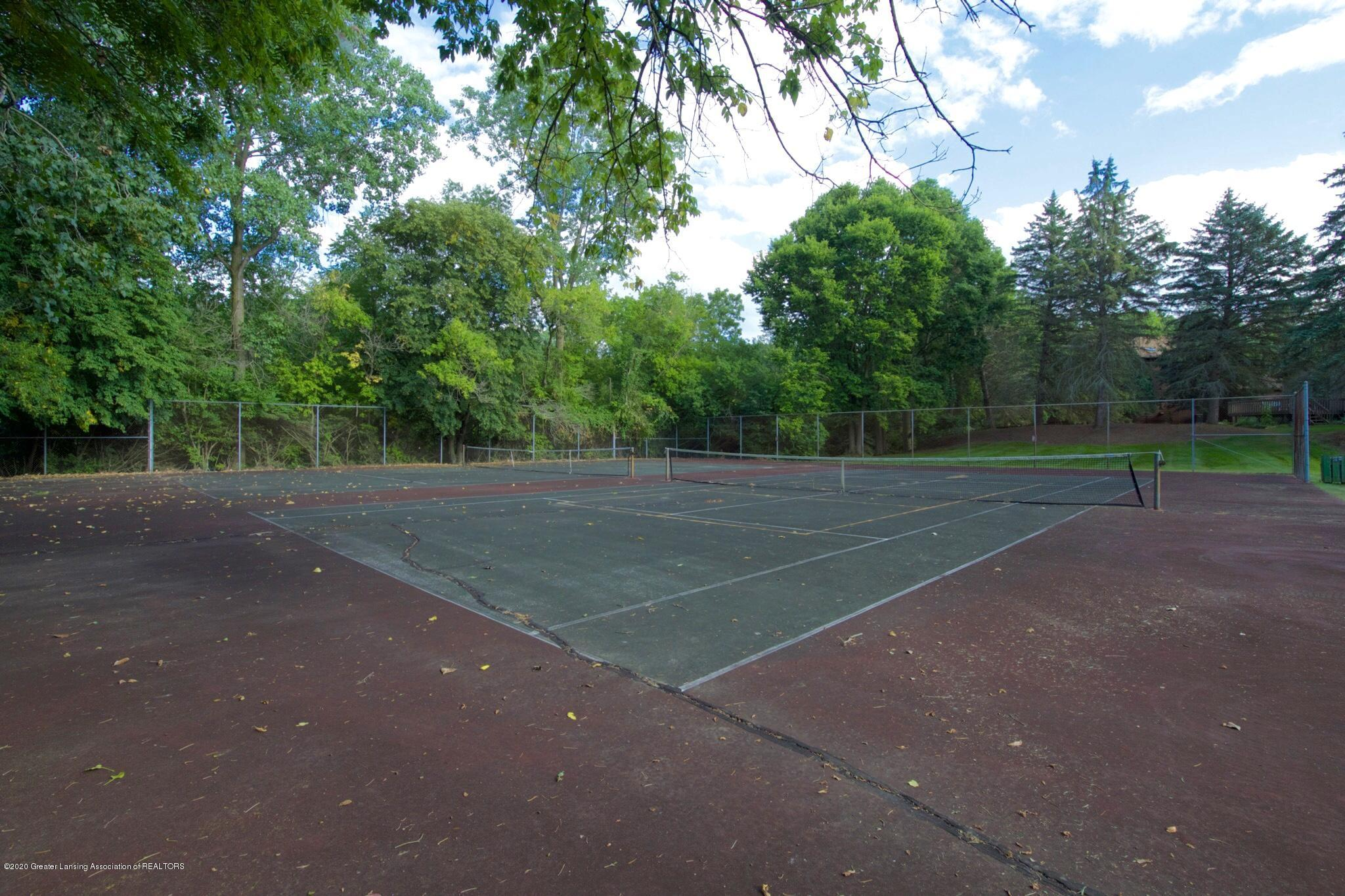 2592 Woodhill Dr - Tennis Courts - 31