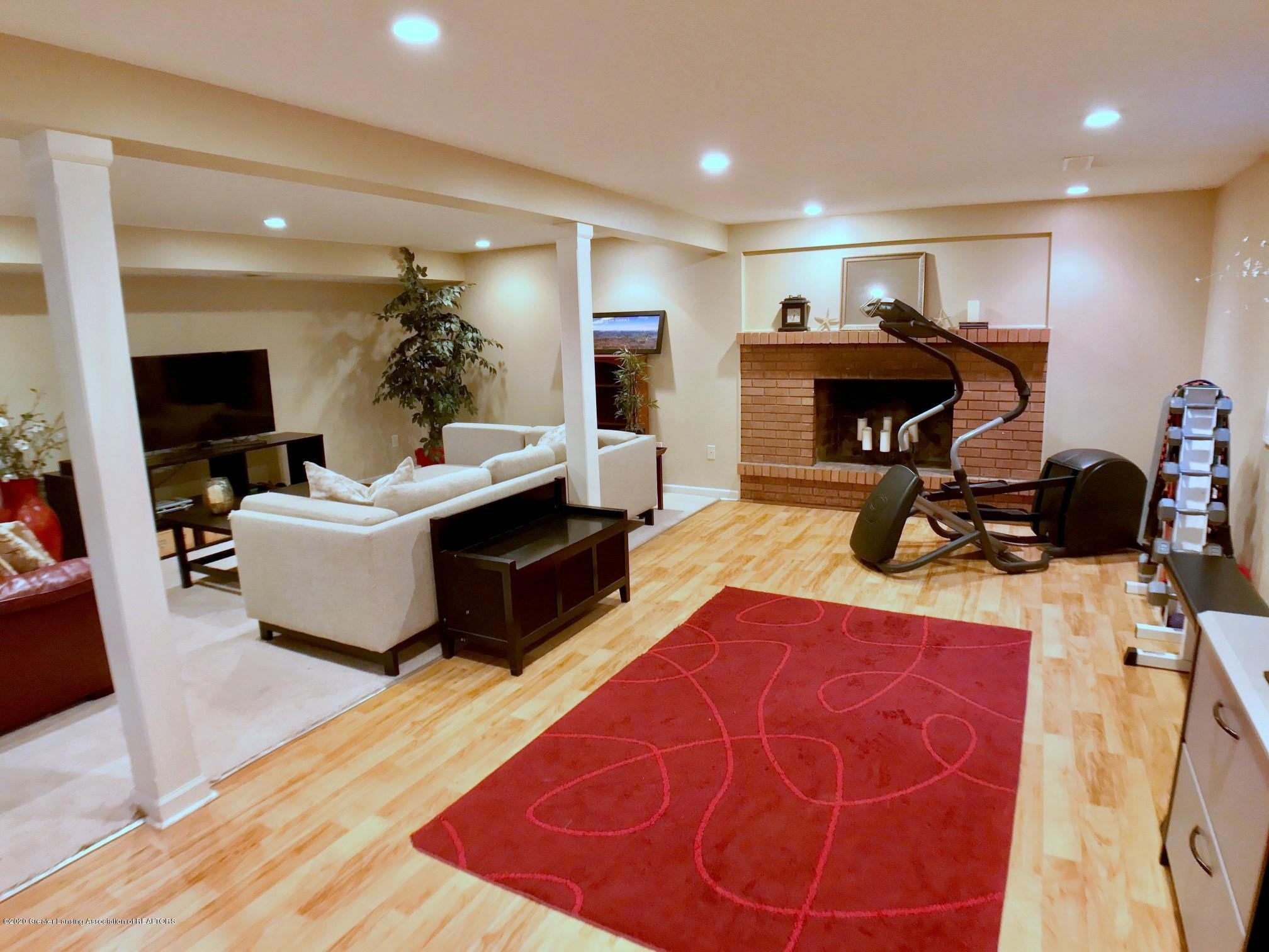 1017 Delridge Rd - lower level family room - 15